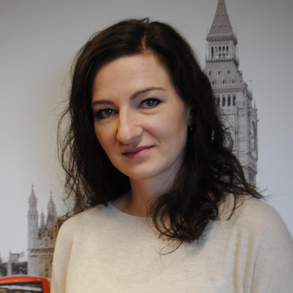 KAROLINA LEMAŃSKA PRACOWNIK DZIAŁU OBSŁUGI SZKOLEŃ  k.polinska@openeducation.pl